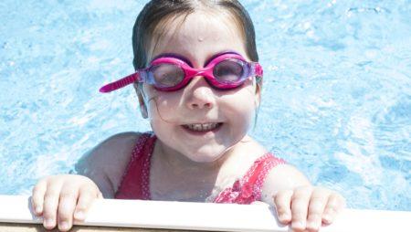 Las razones por la que las cubiertas para piscinas son una excelente inversión